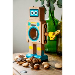 Natural Robot Nut Cracker